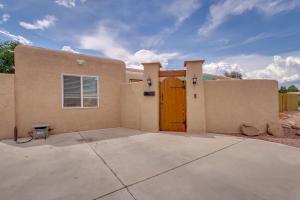 3521 VALENCIA Drive NE, Albuquerque, NM 87110
