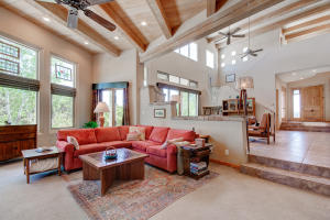 48 Sandia Mountain Ranch Drive, Tijeras, NM 87059