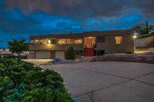 909 ATRISCO Drive NW, Albuquerque, NM 87105