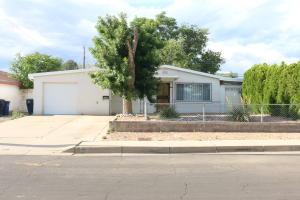 10105 LOS ARBOLES Avenue NE, Albuquerque, NM 87112