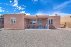 117 DANIEL Road NW, Albuquerque, NM 87107