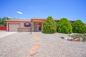 4909 Chromium Drive NE, Rio Rancho, NM 87124