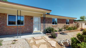 5401 VISTA CIELO Avenue NW, Albuquerque, NM 87120