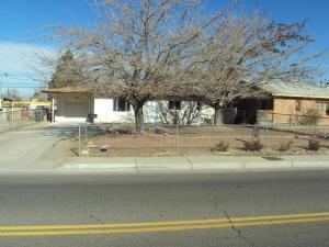 4909 Comanche Road NE, Albuquerque, NM 87110