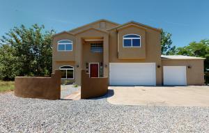535 Angel Road, Corrales, NM 87048