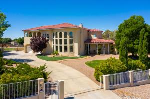 7330 ELENA Drive NE, Albuquerque, NM 87113
