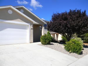 275 BLACK HAT Avenue SW, Los Lunas, NM 87031
