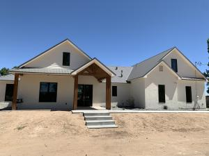10 Jason Road, Los Lunas, NM 87031