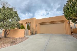 6300 ABIQUIU Place NE, Albuquerque, NM 87111