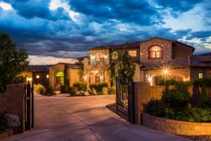 9701 SIGNAL Avenue NE, Albuquerque, NM 87122