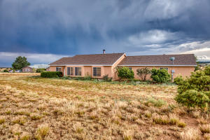 10 San Miguel Road, Edgewood, NM 87015
