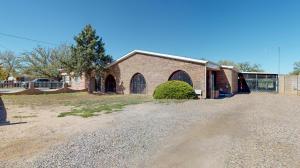 2319 ESEQUIEL Road SW, Albuquerque, NM 87105