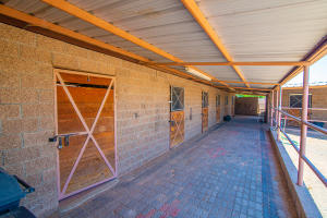 8 Tiara Lane, Belen, NM 87002
