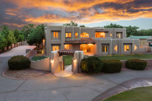 4682 LOS POBLANOS Circle NW, Los Ranchos, NM 87107