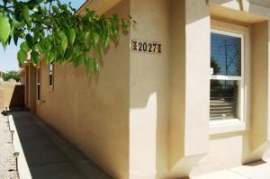 2027 CIELO OESTE Place NW, Albuquerque, NM 87120