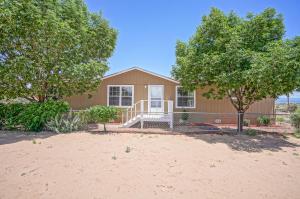 1020 10th Avenue NE, Rio Rancho, NM 87144