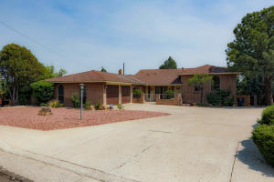 4509 ALTURA Place NE, Albuquerque, NM 87110