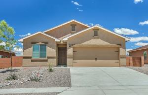 9815 Sacate Blanco Avenue SW, Albuquerque, NM 87121