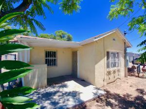 1225 Airway Road SW, Albuquerque, NM 87105