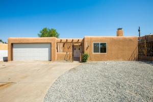 10913 CORDOVA Avenue NE, Albuquerque, NM 87112