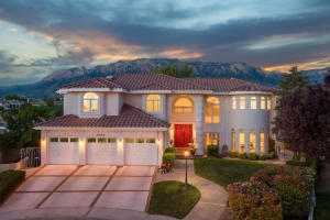 6520 LOWELL Street NE, Albuquerque, NM 87111
