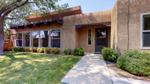 7423 Quebrada Place NE, Albuquerque, NM 87113