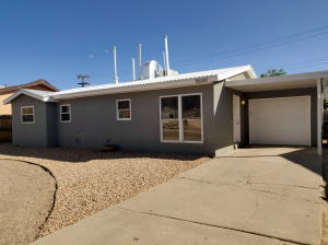 10600 WALKER Drive NE, Albuquerque, NM 87112