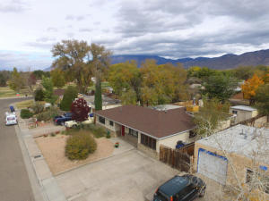 1512 CONCHAS Street NE, Albuquerque, NM 87112