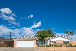 500 ZENA LONA Street NE, Albuquerque, NM 87123