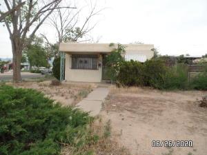 600 San Pedro Drive SE, Albuquerque, NM 87108
