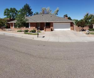 9800 Lorelei Lane NE, Albuquerque, NM 87111