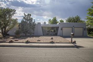 2009 ALGODONES Street NE, Albuquerque, NM 87112