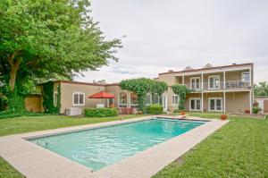 Pool's Open! Backyard Oasis!
