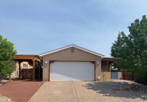 8409 DUNHILL Avenue SW, Albuquerque, NM 87121