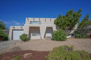 1813 CHELWOOD PARK Boulevard NE, Albuquerque, NM 87112