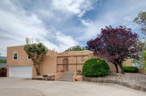 2524 GEORGENE Drive NE, Albuquerque, NM 87112
