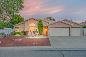 3176 ASHKIRK Place SE, Rio Rancho, NM 87124