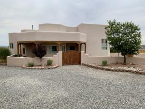 6901 KALGAN RD Road NE, Rio Rancho, NM 87144