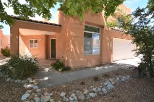 Welcome to 4104 Lanceleaf Court NW, Albuquerque, NM 87114