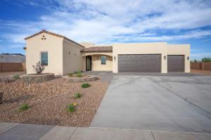 7835 AGUILA Street NW, Albuquerque, NM 87120