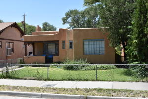 1012 ORCHARD Place NW, Albuquerque, NM 87102