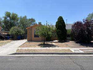 6520 AZUELO Avenue NW, Albuquerque, NM 87120