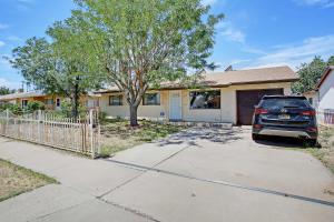 229 CONCHAS Street NE, Albuquerque, NM 87123