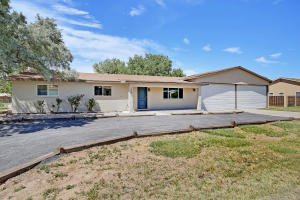 328 LUSCOMBE Lane, Los Lunas, NM 87031