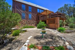 56 TABLAZON Road, Tijeras, NM 87059