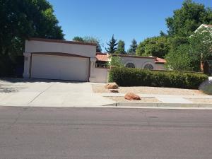 9303 Freedom Way NE, Albuquerque, NM 87111