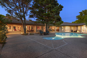 1705 CHACOMA Place SW, Albuquerque, NM 87104