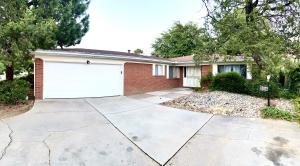 2804 DALLAS Street NE, Albuquerque, NM 87110