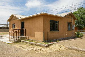 1901 Foothill Road SW, Albuquerque, NM 87105