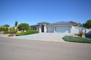 765 Fairway Loop SE, Rio Rancho, NM 87124